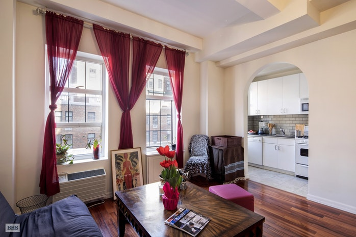405 West 23rd Street 16L, Greenwich Village/Chelsea, NYC, $640,000, Web #: 18102228
