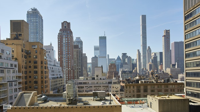 150 East 69th Street 15L, Upper East Side, NYC, $1,375,000, Web #: 18132159