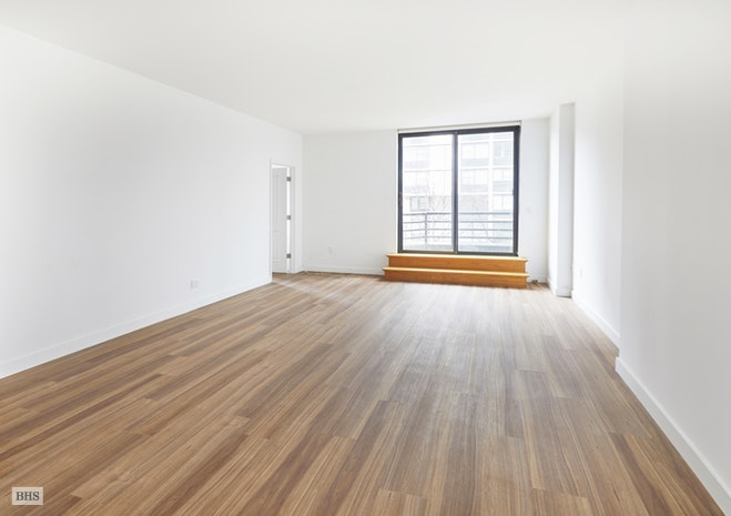 350 Albany Street 30, Battery Park City, NYC, $4,300, Web #: 18171497