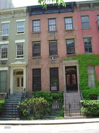 428 West 44th Street, Midtown West, NYC, $2,725, Web #: 18174020