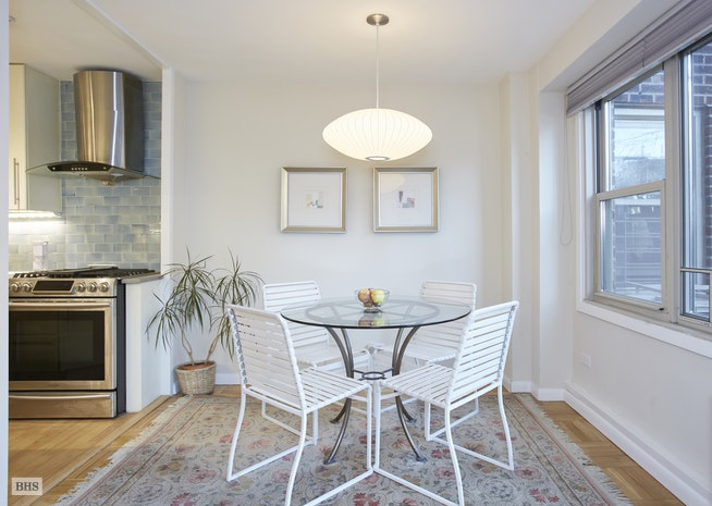 900 West 190th Street 2R, Hudson Heights, NYC, $799,000, Web #: 18175540