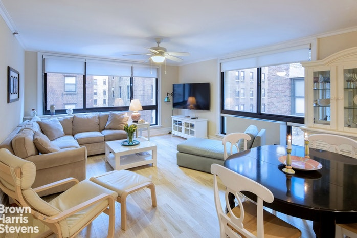 203 West 90th Street 7A, Upper West Side, NYC, $2,700,000, Web #: 18190890