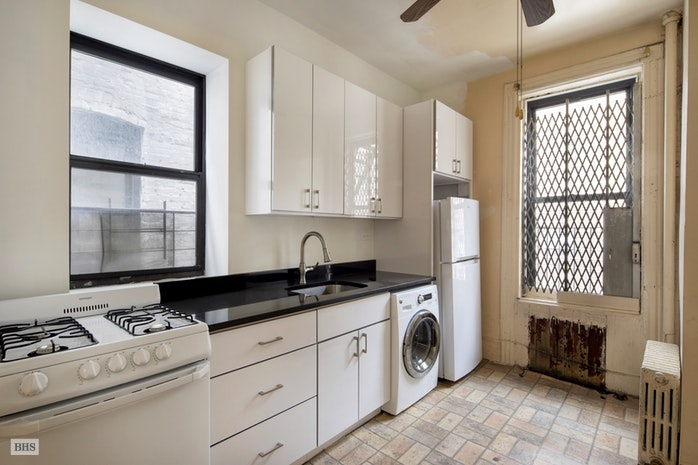 492 Amsterdam Avenue 4S, Upper West Side, NYC, $399,000, Web #: 18212910