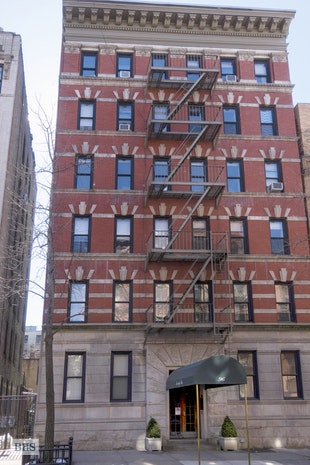 96 Perry Street B14, West Village, NYC, $925,000, Web #: 18221985