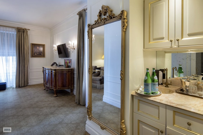 768 Fifth Avenue 1341, Midtown East, NYC, $1,325,000, Web #: 18235848