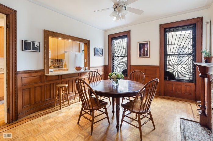 317 6th Avenue 4, Park Slope, New York, $1,450,000, Web #: 18259527