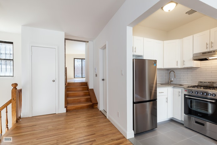 9 West 69th Street, Upper West Side, NYC, $3,600, Web #: 18296897