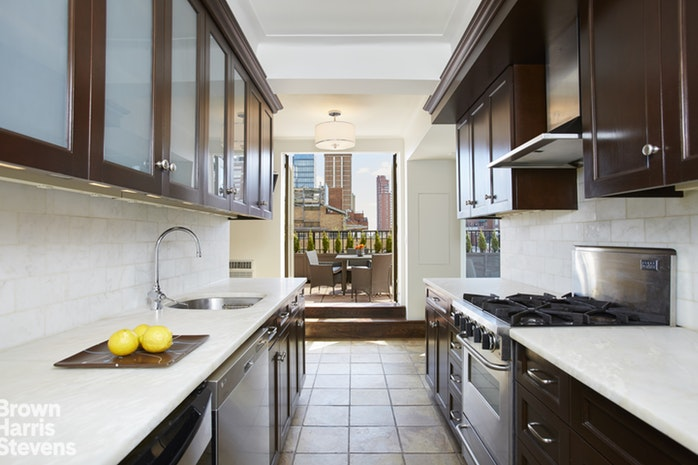 245 East 72nd Street 17 18C, Upper East Side, NYC, $4,950,000, Web #: 18311217