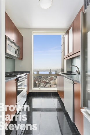 230 West 56th Street 54E, Midtown West, NYC, $7,000, Web #: 18338963