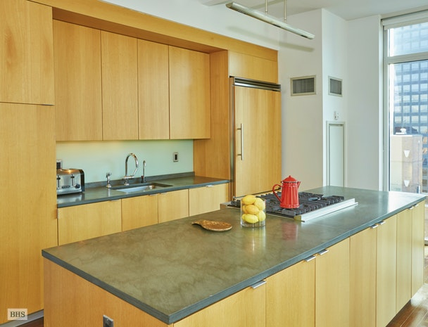 207 East 57th Street 31B, Midtown East, NYC, $8,400, Web #: 18346000