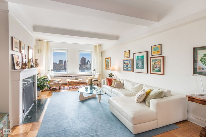 322  Central Park West 16C, Upper West Side, NYC, $3,950,000, Web #: 18359032