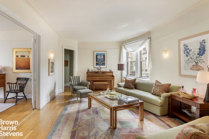 325 Riverside Drive 73, Upper West Side, NYC, $2,000,000, Web #: 18361846