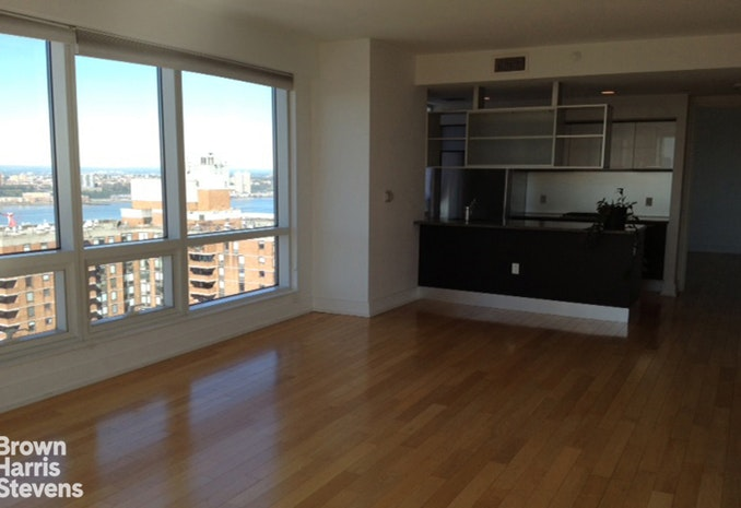 350 West 42nd Street 44H, Midtown West, NYC, $4,200, Web #: 18392169