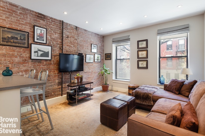 419 West 48th Street 2E, Midtown West, NYC, $740,000, Web #: 18442471