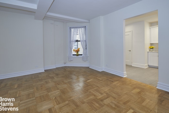 365 West End Avenue 2G, Upper West Side, NYC, $2,500, Web #: 18447633