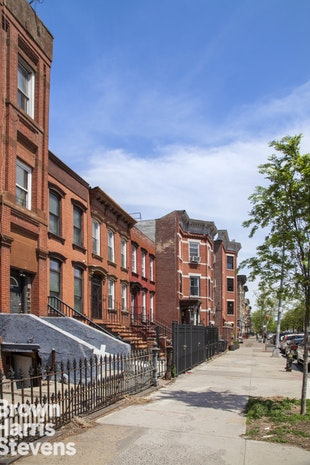 561 Quincy Street, Brooklyn, New York, $1,499,000, Web #: 18463461