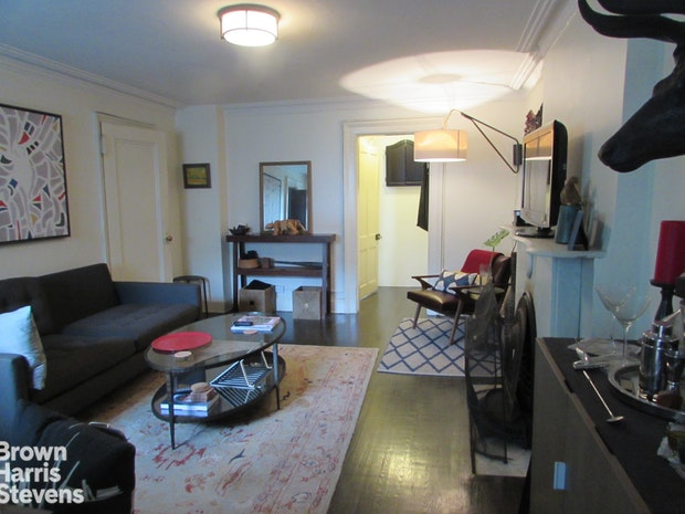 258 West 12th Street 3, West Village, NYC, $3,400, Web #: 18504473