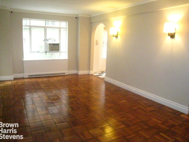 25 Central Park West, Upper West Side, NYC, $7,250, Web #: 18592590