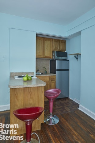 5 Tudor City Place 1818, Midtown East, NYC, $1,800, Web #: 18639823