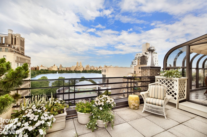 19 East 88th Street 15D, Upper East Side, NYC, $4,300,000, Web #: 18676331