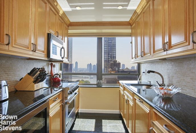 240 East 47th Street 23E/F, Midtown East, NYC, $2,550,000, Web #: 18677147