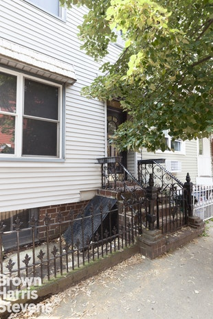 210 Calyer Street 3, Brooklyn, New York, $3,400, Web #: 18707346