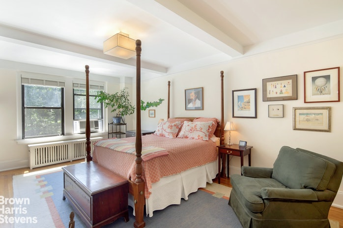 327 Central Park West 3A, Upper West Side, NYC, $10,495, Web #: 18717090