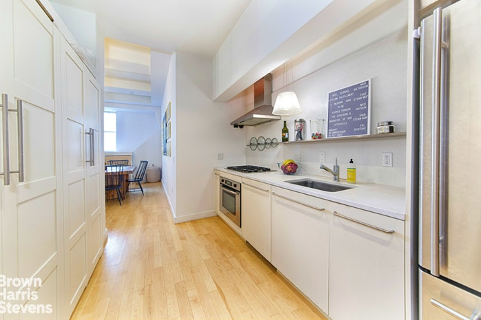 15 Broad Street 902, Financial District, NYC, $3,995, Web #: 18717533