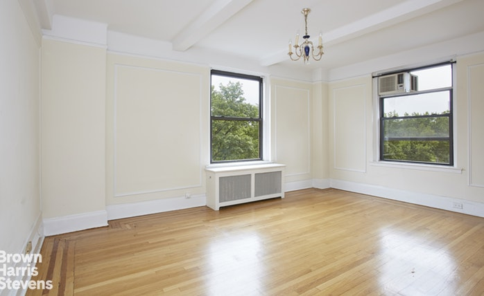 415 Central Park West 5A, Upper West Side, NYC, $8,500, Web #: 18805583