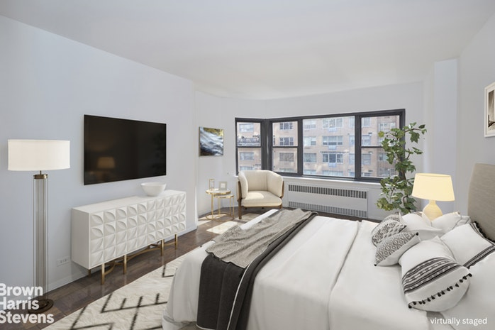 20 Sutton Place South 8B, Midtown East, NYC, $862,500, Web #: 18820152