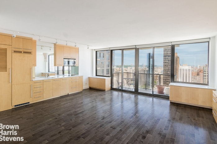 161 West 61st Street 35E, Upper West Side, NYC, $885,000, Web #: 18823341