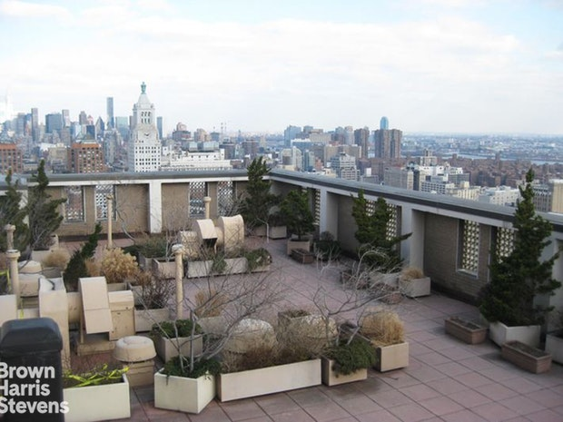 60 East 8th Street 9G, East Village, NYC, $3,000, Web #: 18866592
