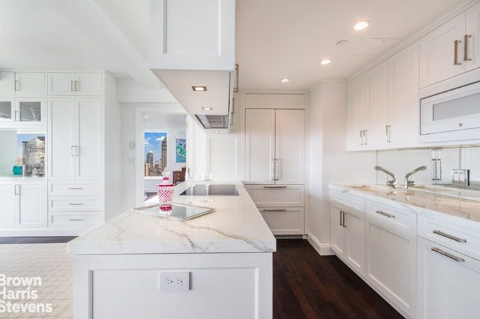 160 Central Park South 3301, Midtown West, NYC, $7,250,000, Web #: 18879706