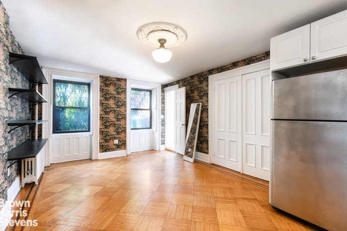77 Willoughby Avenue Garden, Brooklyn, New York, $2,750, Web #: 18882110