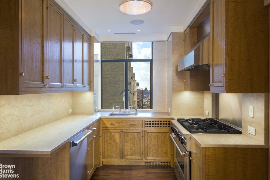 211 Central Park West 14E, Upper West Side, NYC, $18,950,000, Web #: 18899702