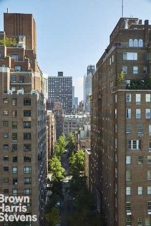 870 United Nations Plaza 13C, Midtown East, NYC, $1,279,000, Web #: 18904193