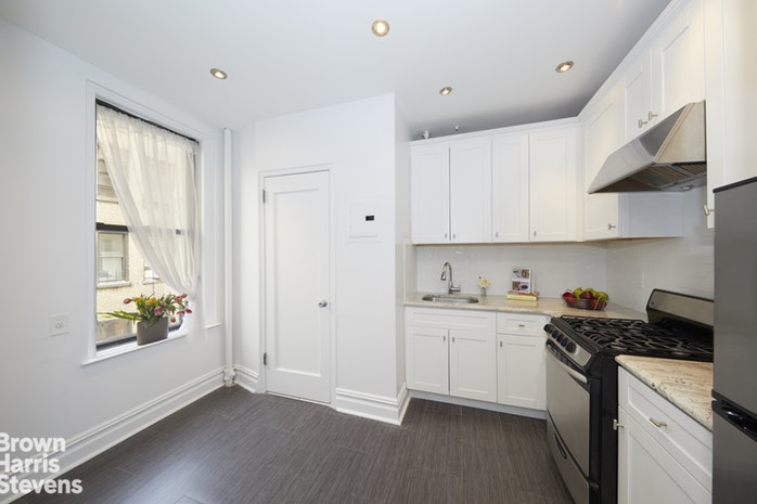 365 West End Avenue 13G, Upper West Side, NYC, $2,500, Web #: 18953389