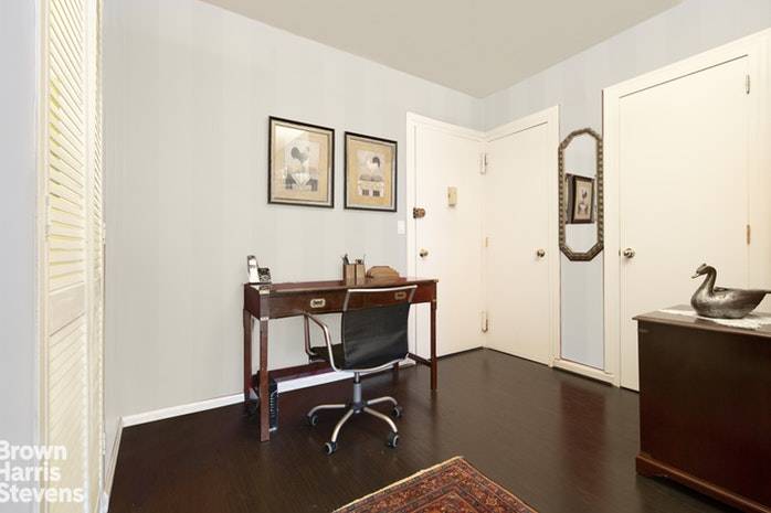 166 East 63rd Street 10D, Upper East Side, NYC, $875,000, Web #: 18965615