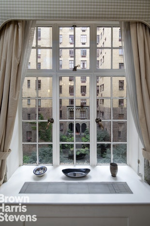 115 East 67th Street 4B, Upper East Side, NYC, $2,910,000, Web #: 18970029