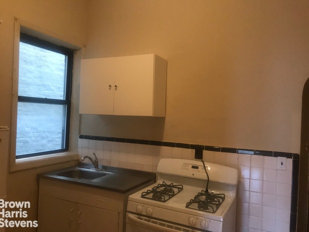 70 7th Avenue 2A, Brooklyn, New York, $1,825, Web #: 18978321