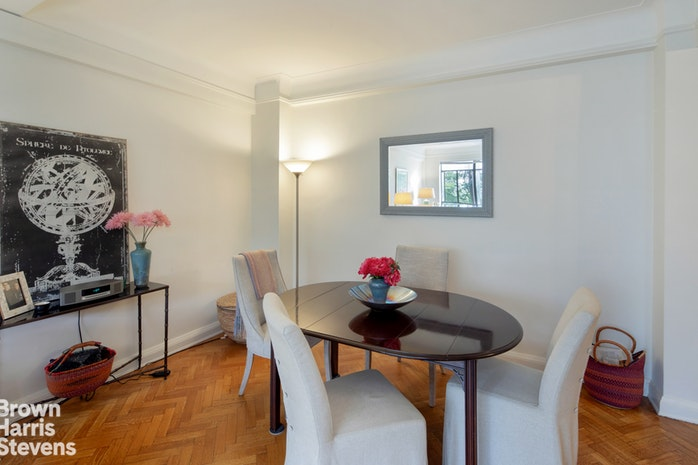 140 Riverside Drive 3F, Upper West Side, NYC, $1,600,000, Web #: 18987522