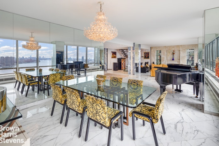 870 United Nations Plaza 33/34F, Midtown East, NYC, $3,300,000, Web #: 19011818