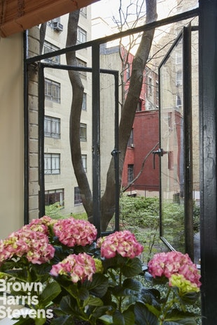 140 Riverside Drive 2F, Upper West Side, NYC, $1,775,000, Web #: 19016531