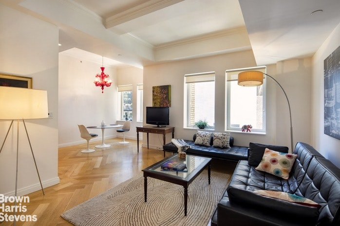 160 Central Park South 1817, Midtown West, NYC, $5,750, Web #: 19098494