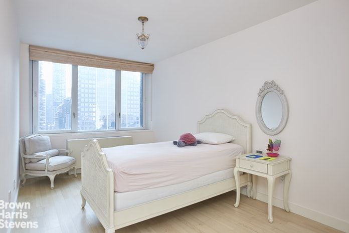 322 West 57th Street 30S, Midtown West, NYC, $10,000, Web #: 19168769