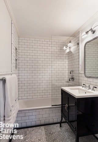 175 East 62nd Street 9A, Upper East Side, NYC, $1,885,000, Web #: 19172369