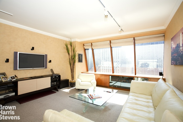 15 West 53rd Street 34C, Midtown West, NYC, $1,150,000, Web #: 19209067