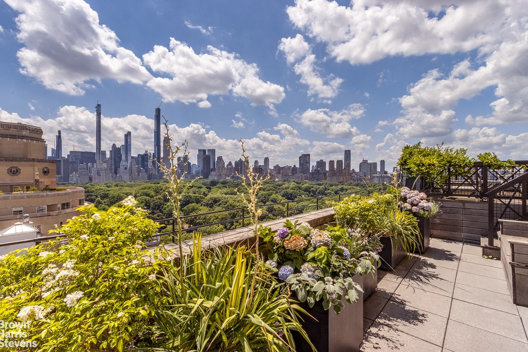 955 Fifth Avenue 3A, Upper East Side, NYC, $2,950,000, Web #: 19270582