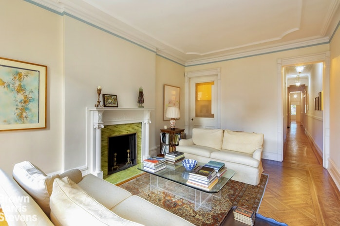 55 East 76th Street 12, Upper East Side, NYC, $1,295,000, Web #: 19305557