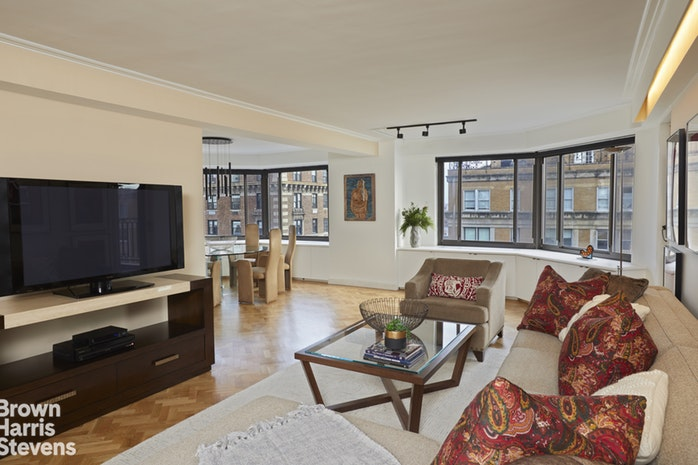 10 East End Avenue 17C, Upper East Side, NYC, $1,975,000, Web #: 19320671